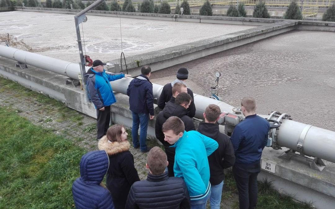 Studenci WSA w MPWiK Sp. z o. o. w Łomży